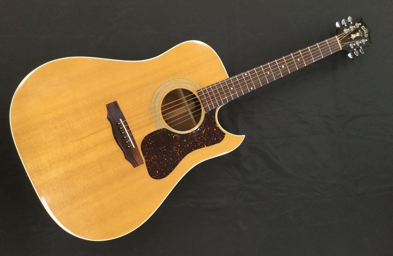 GUILD D-40/USED