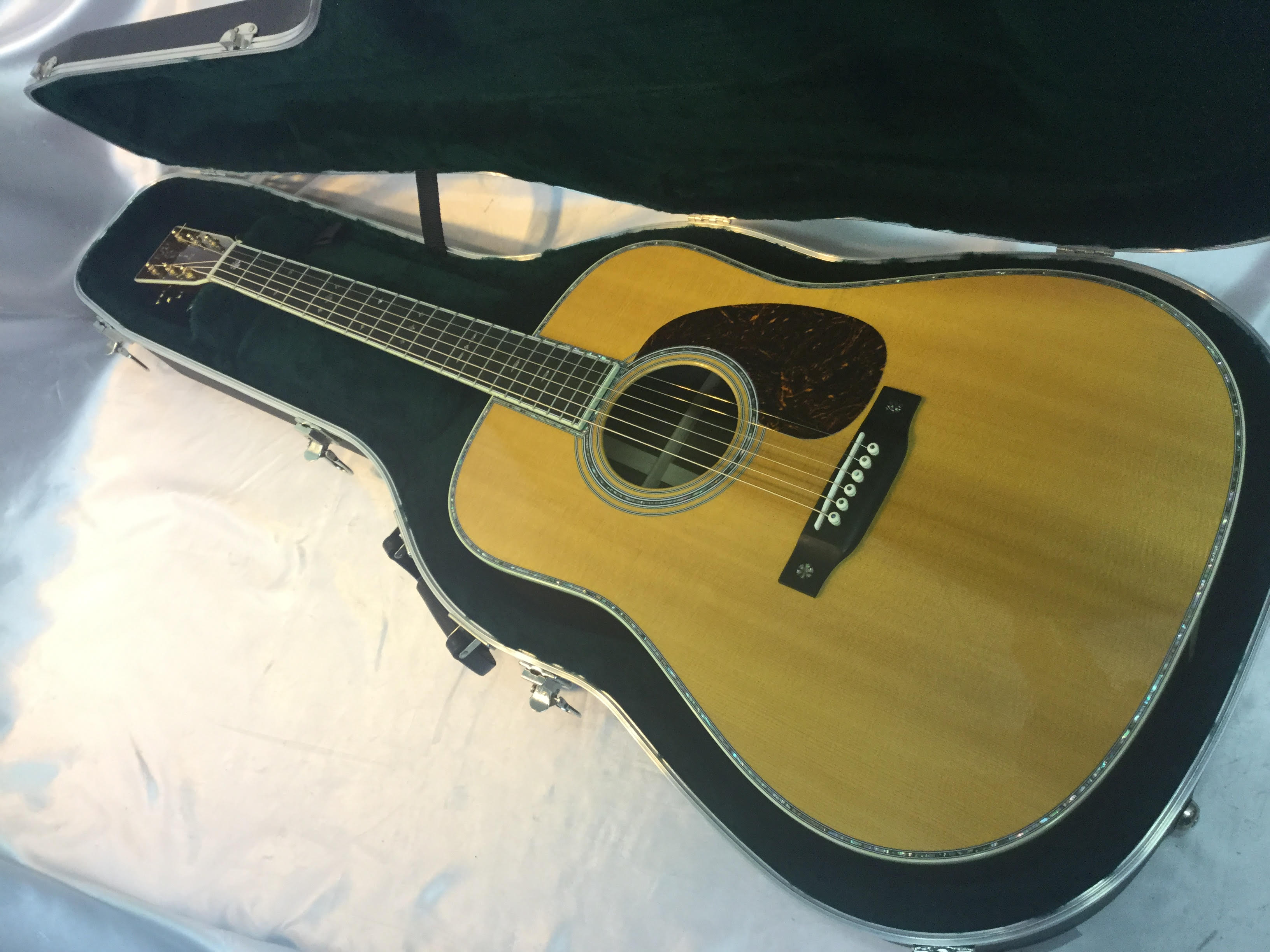 Martin D-42/USED